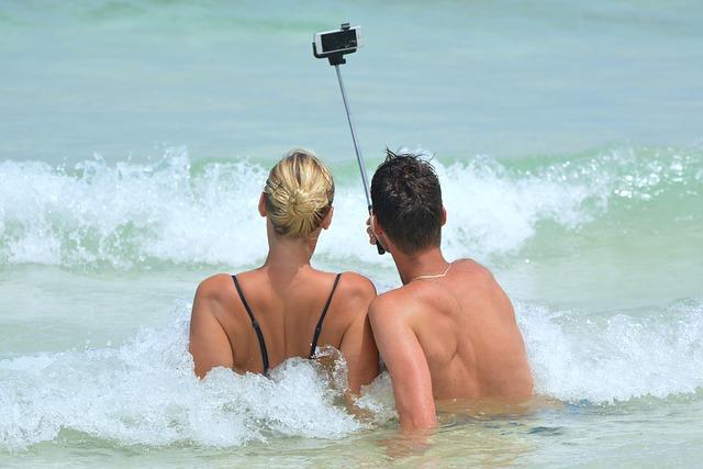 selfie - facebook